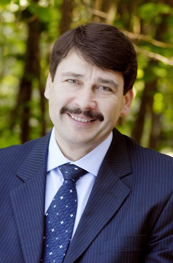János Áder, le Président actuel, appartient au Fidesz et devrait être réélu sans problème. © CC