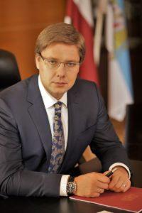 Nils Ushakov